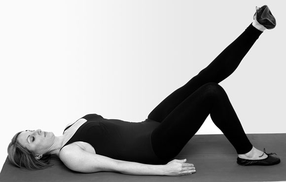 Rise and shine: Morning stretches to do in bed