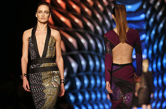 Etro's collection celebrated dramatic cuts.