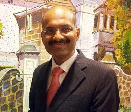 Manish Gupta, author of English Bites!