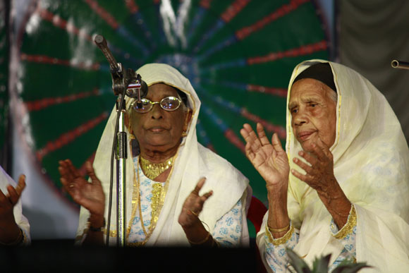 In Muslim homes in Kerala, special songs (accompanied by the clapping of hands) are sung at home before a wedding. Very few know this art today, as is evident from the age of the women performing the of Kaikottu Paatu.