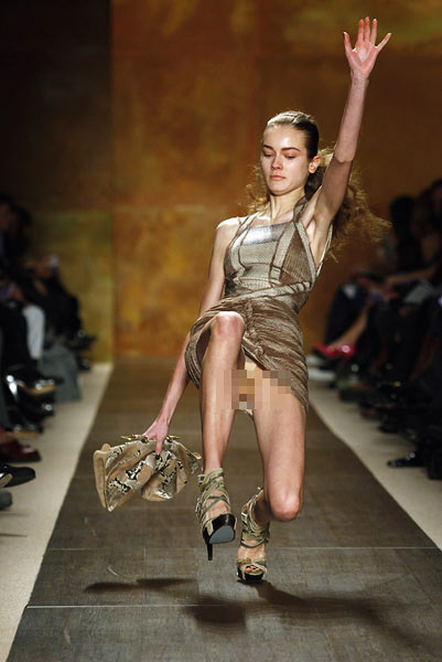 Images: Oops! Models falling on the catwalk