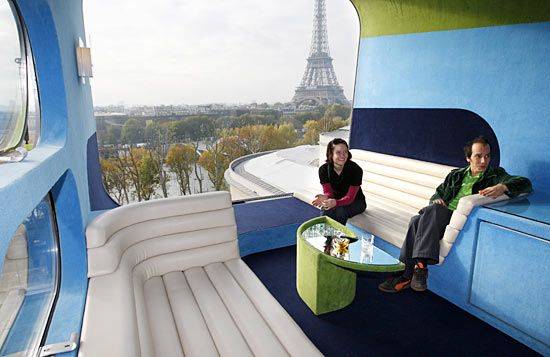 PICS: Incredibly crazy hotel rooms around the world