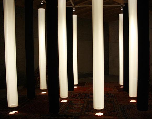Hossein Valamanesh investigates the architecture of seduction.