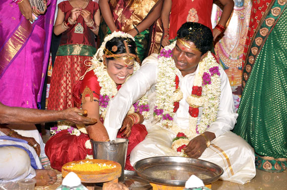 M V Prakash from Chennai with his bride S Sathyagowri