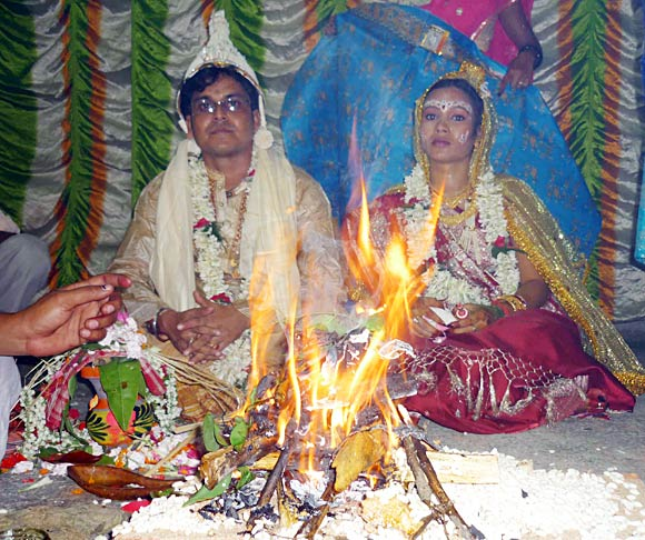 Agnishwar Madhu with his wife Priyanka