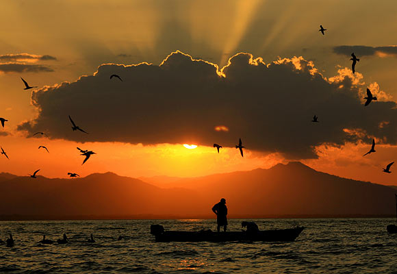 STUNNING PHOTOS: Sunsets around the world