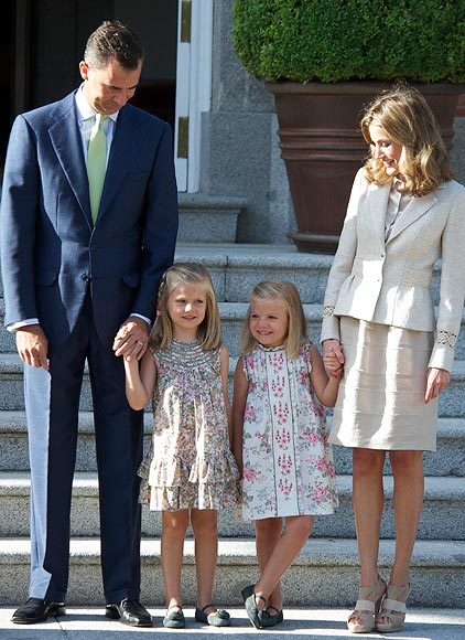 (L-R) Prince Felipe, Princess Leonor, Princess Sofia and Princess Letizia receive Pope Benedict XVI at Zarzuela Palace on August 19, 2011 in Madrid, Spain