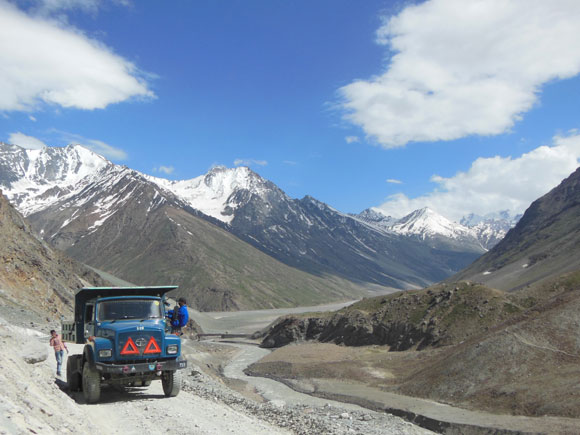 A Border Roads Organisation truck near Kunzum La