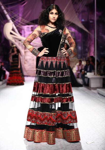 Anjali Lavania for JJ Valaya