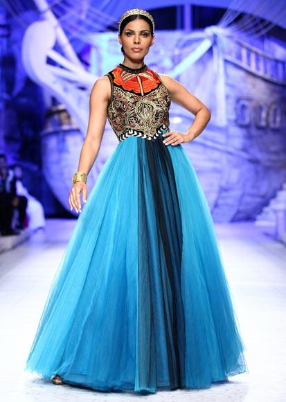 Deepti Gujral for JJ Valaya