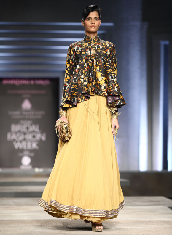 IN PICS: Dramatic bridalwear by Shantanu-Nikhil