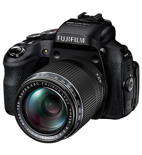 Should Nikon and Canon be afraid of Fujifilm's latest?