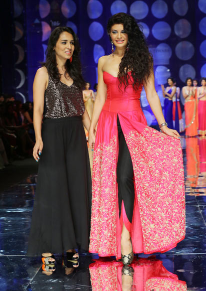 Jyotsana Tiwari and Jacqueline Fernandez