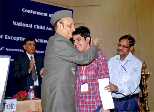 Kartik Sawhney is awarded the National Child Award for Exceptional Achievements 2009 by MP Karan Singh