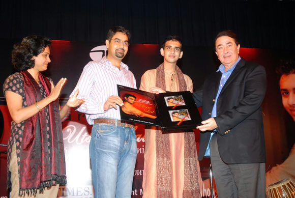 Actor Randhir Kapoor (extreme right) had launched Utsav Lal's solo album