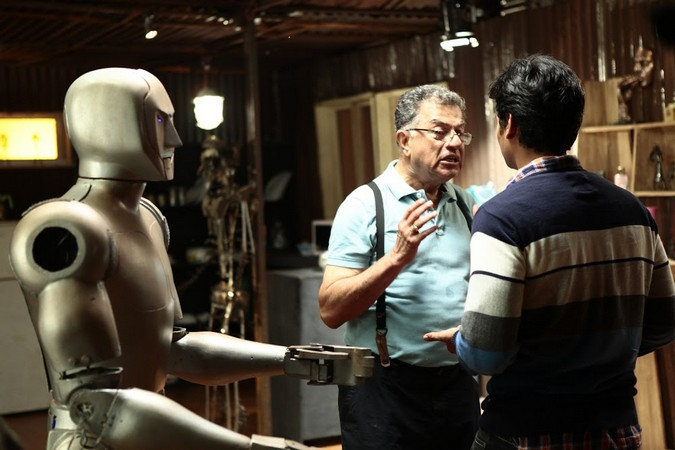 A still from Mugamoodi which featured Lakshmanan's robot