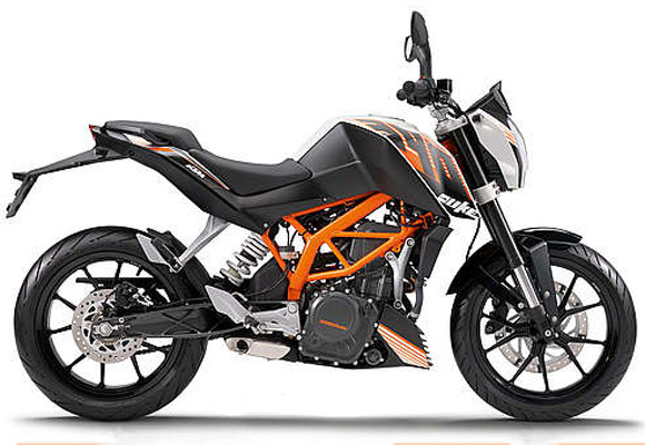 Bajaj offers KTM Duke 390 at Rs 1.8 lakh