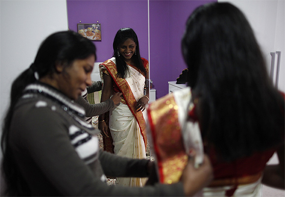 How to wear a sari was one of the top searches amongst women in India.