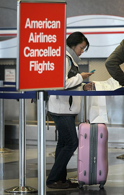 Delayed flights? 3 things you must know to avoid trouble!