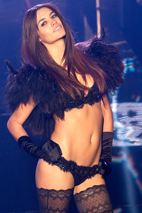 0dbe6afc8 IMAGES  Sexy lingerie on the Paris catwalk! - Rediff Getahead