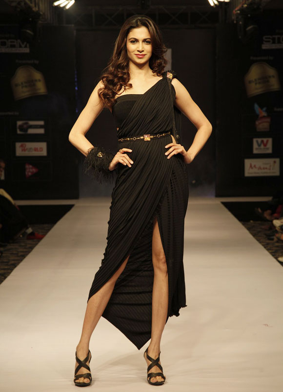Simran Kaur Mundi walks for designer Jatinn Kochhar.