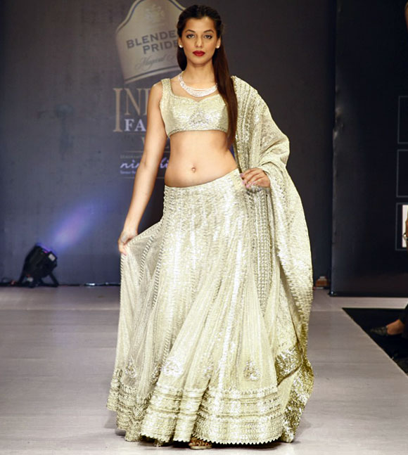 Mugdha Godse walked for designer Aslam Khan.