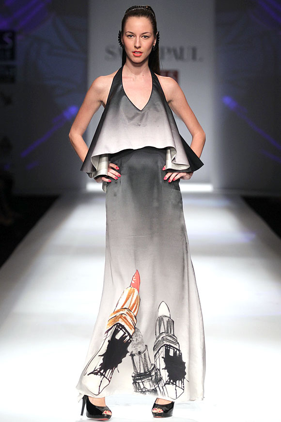 A model shows an outfit with the lipstick motif which according to Masaba symbolises femininity.