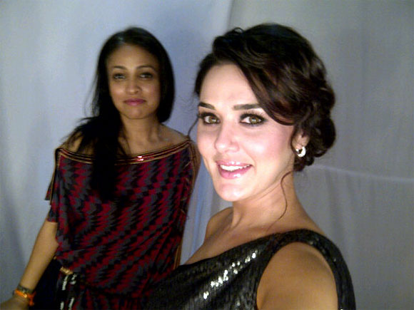 Preity Zinta tweeted a backstage picture with the designer Surily Goel