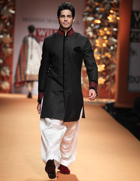 Sidharth Malhotra on the ramp for Manish Malhotra