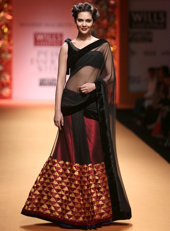 Esha Gupta walks the ramp for Manish Malhotra
