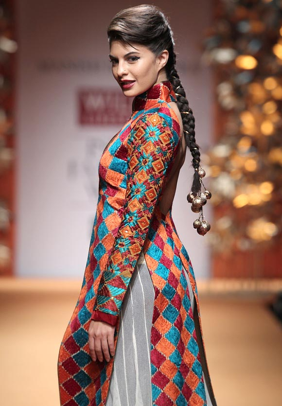 Jaqueline Fernandes strikes a pose in a Manish Malhotra outfit.