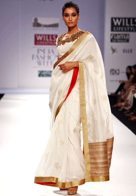 Kanishtha Dhankar in a Samant Chauhan creation.