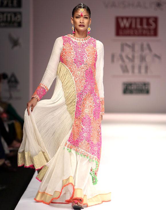 Model Carol Gracias shows a Vaishali S creation with intricate detailing.