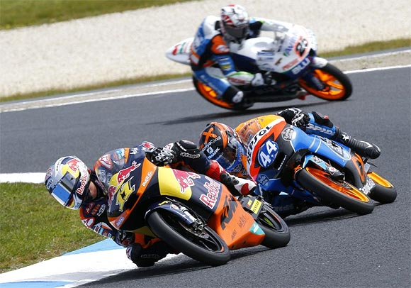 2013 FIM Superbike World Championship begins April 7