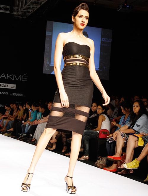 Model Alesia Raut