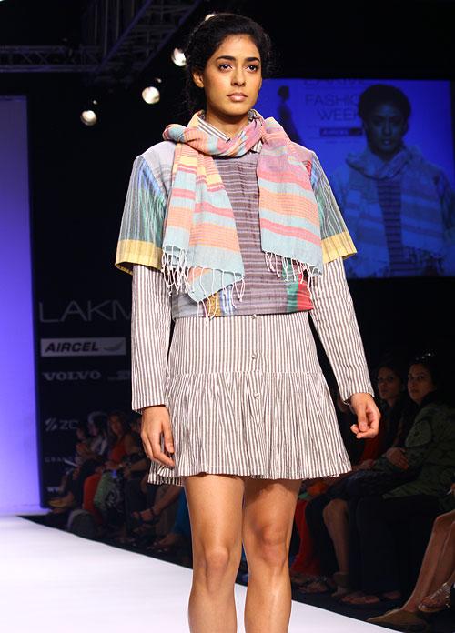 PICS: Dazzling Parsi gara and Bihar's stitch art