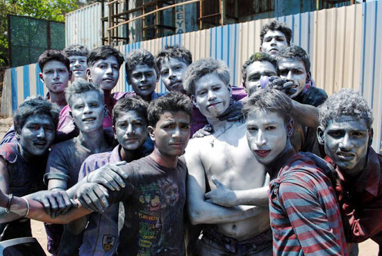 when holi in mumbai