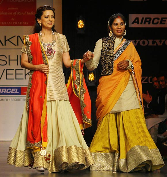 Images: Malaika, Ileana, Dia walk for rural India - Rediff ...
