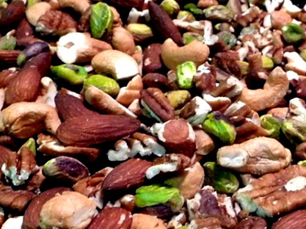 Nutrient rich Nuts for healthy weight loss