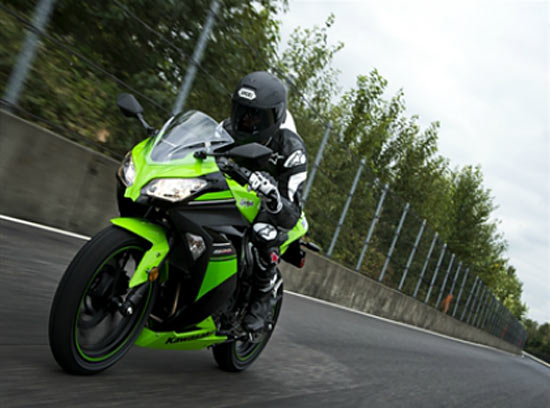 IN PICS: The all-new Ninja 300 for Rs 3.9 lakh