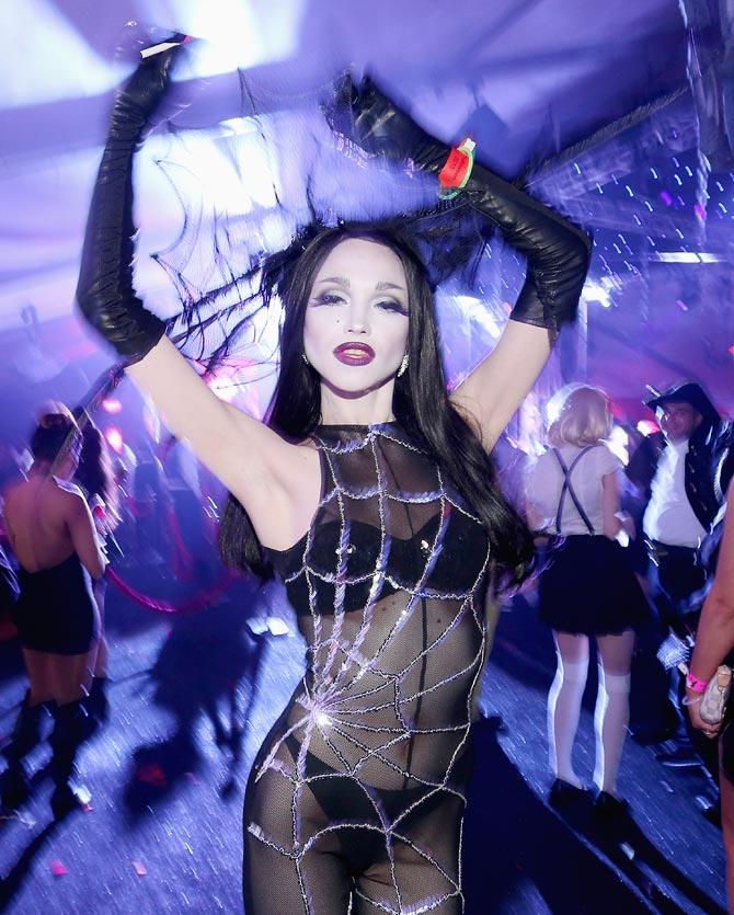 PHOTOS: Cindy Crawford, Kelly Brook celebrate Halloween