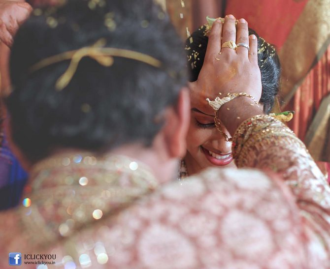 CANDID PHOTOS: Unforgettable wedding moments caught on camera