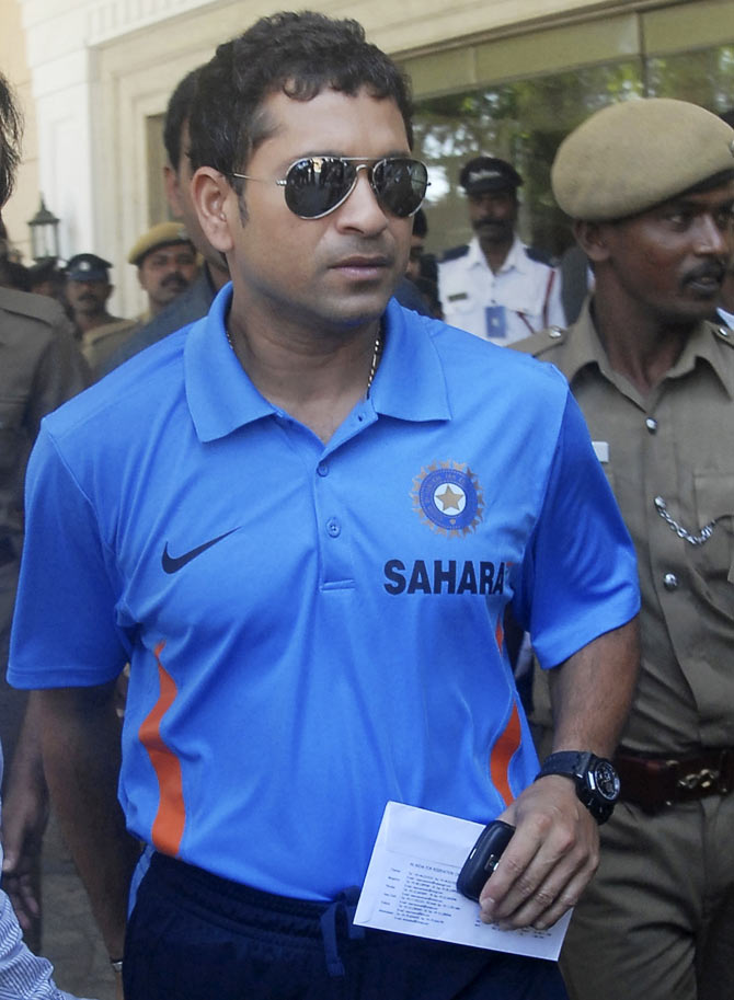 Why Sachin Tendulkar fell at an old lady's feet