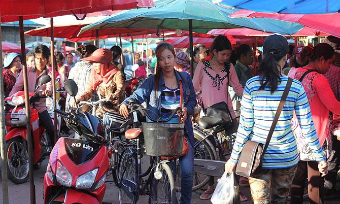 The Rong Kluea Border Market, Aranyaprathet, Thailand