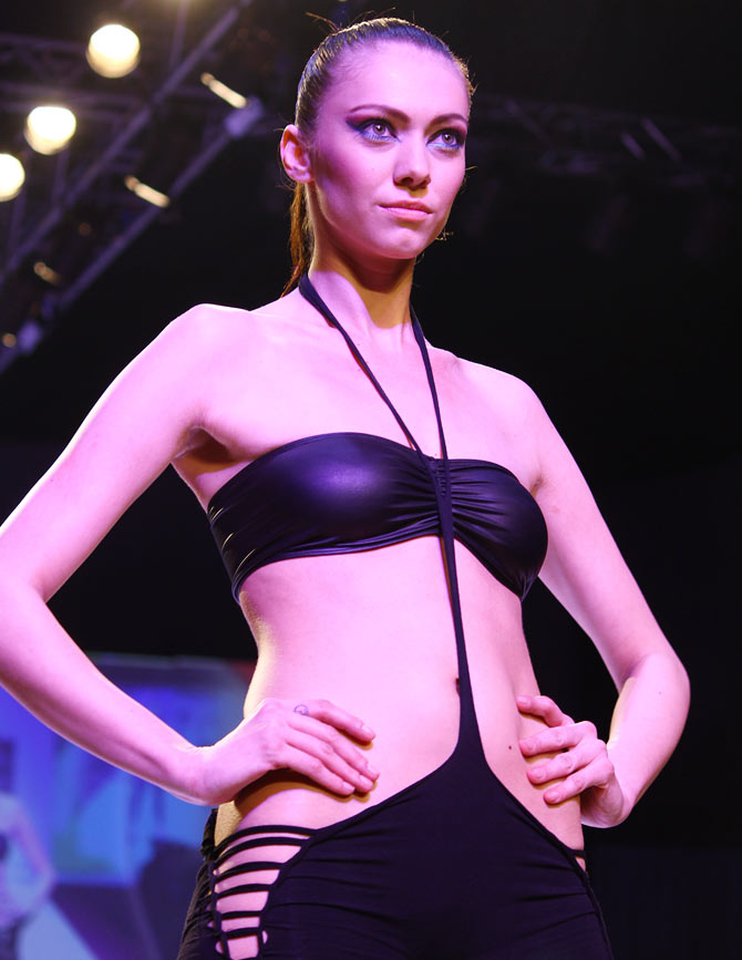 Too hot to handle? Models in slinky outfits!
