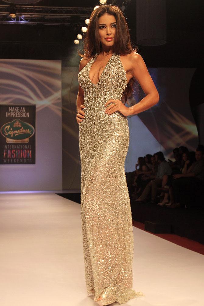 Sahar Biniaz for Swapnil Shinde