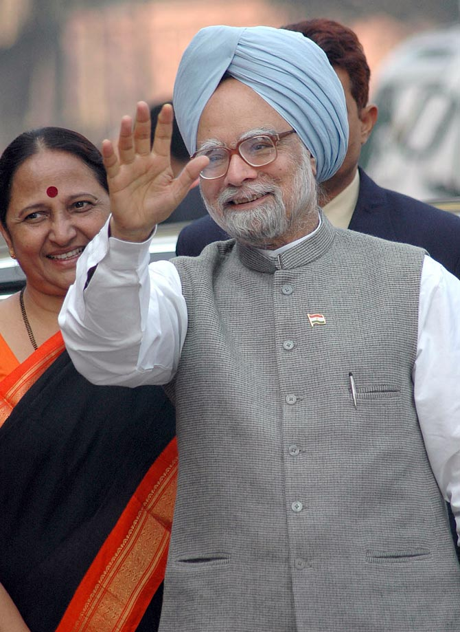 Modi's kurtas, Sonia's Chanderis, Omar's suits