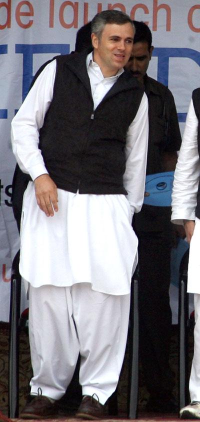 Modi's kurtas, Sonia's Chanderis, Omar's suits