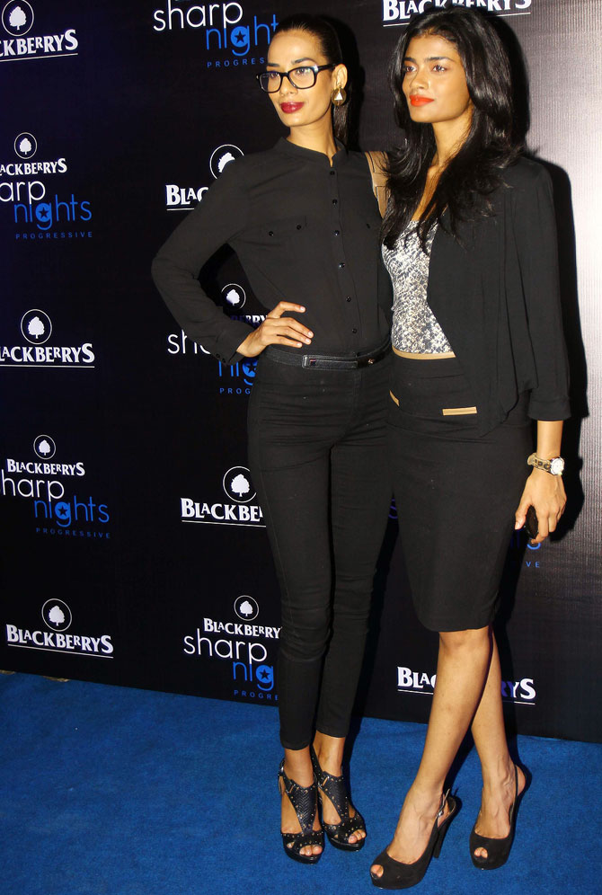 Soni Kaur (L) and Archana Kumar