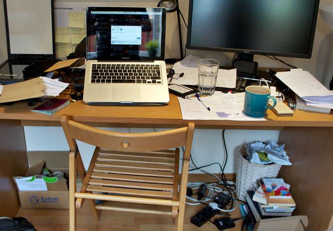 5. De-clutter your desk